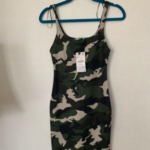 Zara camuflaje Bodycon dress